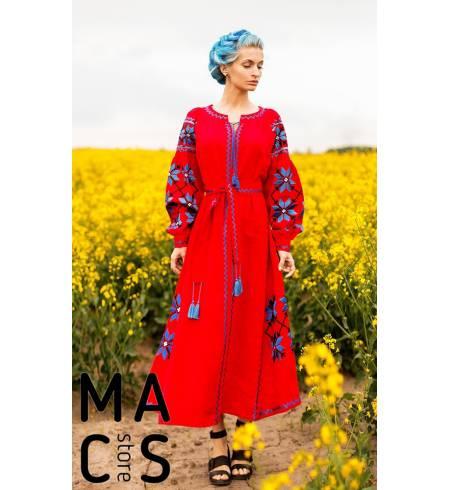Вышитое платье красное